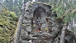 Úprava oltáře na Královském kameni
