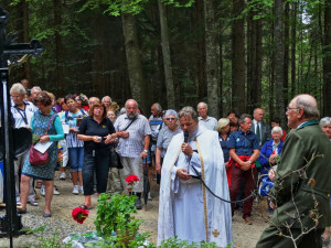 Oprava křížku u Hauswaldské kaple